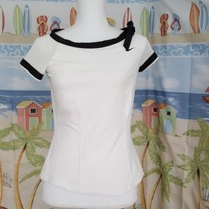 Nike fit dry active top. Size small